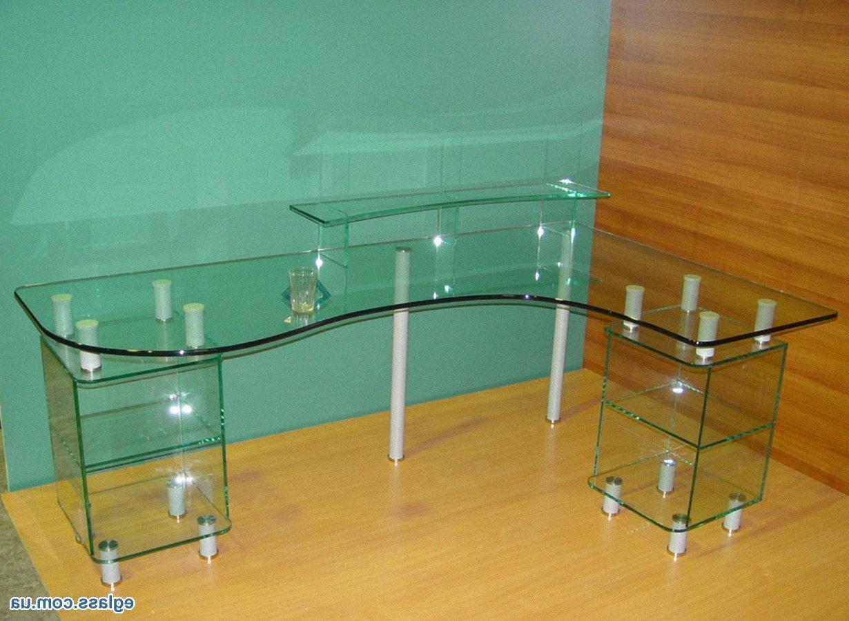 Фото рабочего стеклянного стола