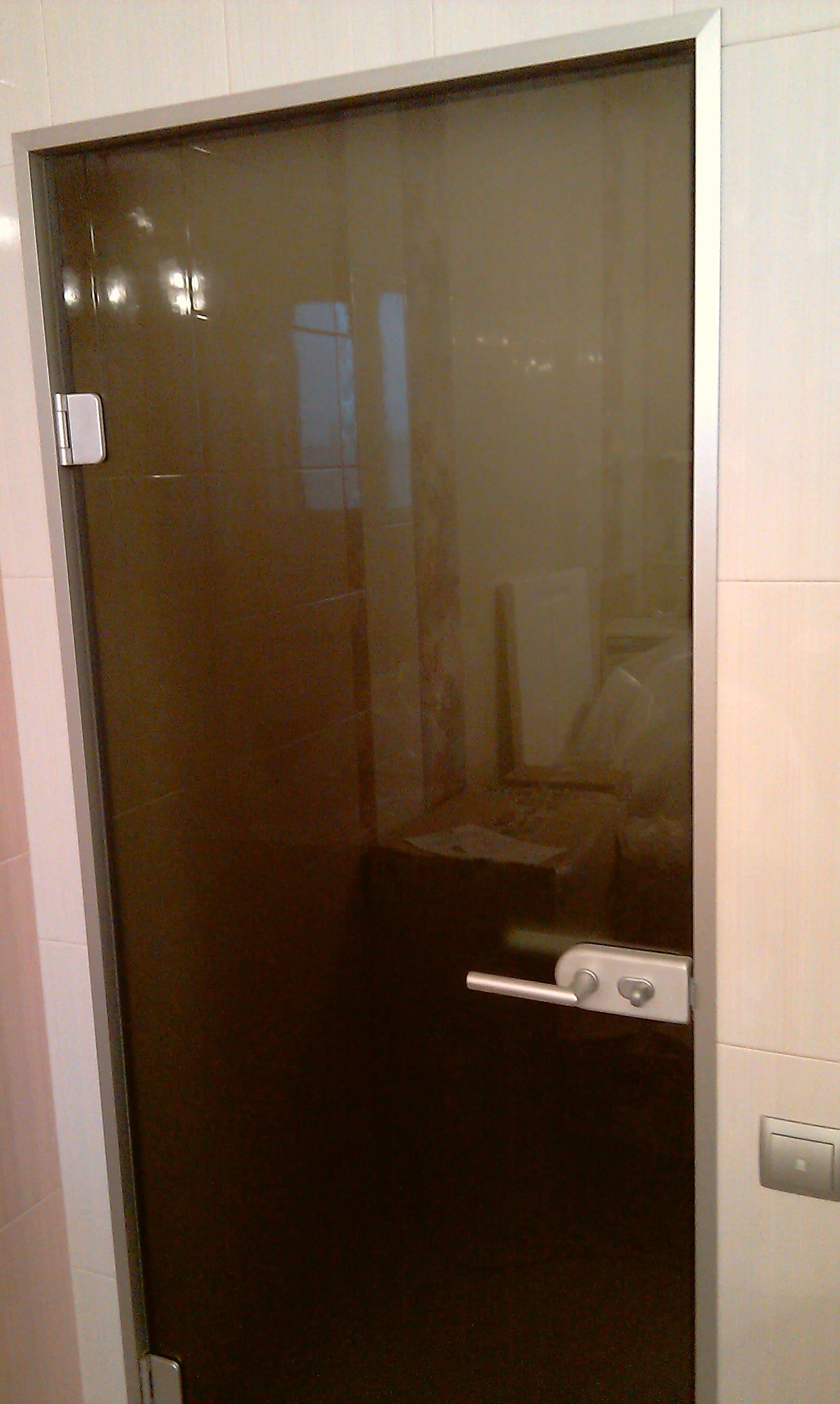 Стеклянная дверь 19