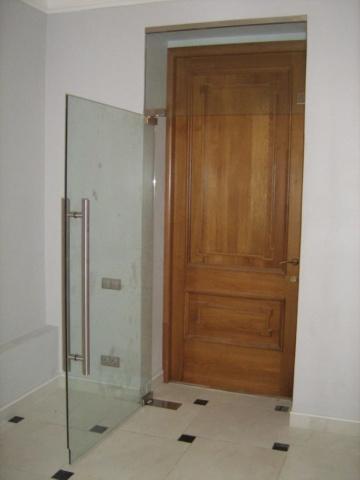 Стеклянная дверь 8