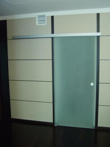 Стеклянная дверь 4