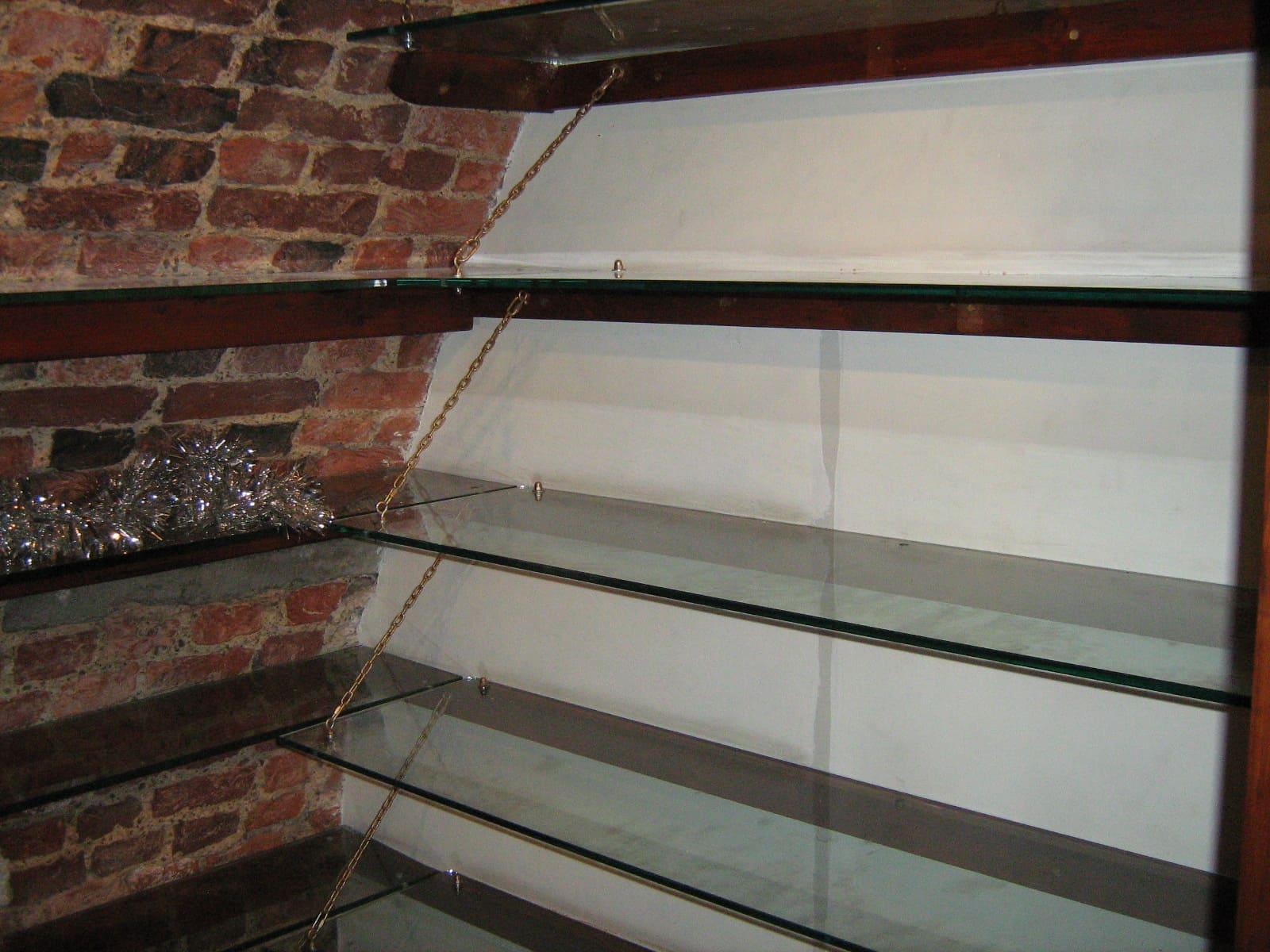 Полки из стекла 19