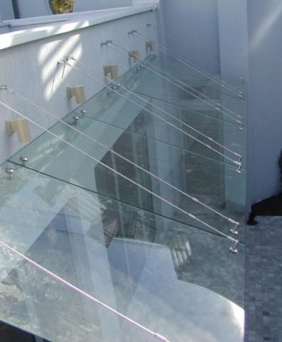 Козырёк из стекла 4