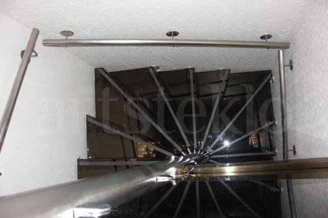 Лестница из стекла 15