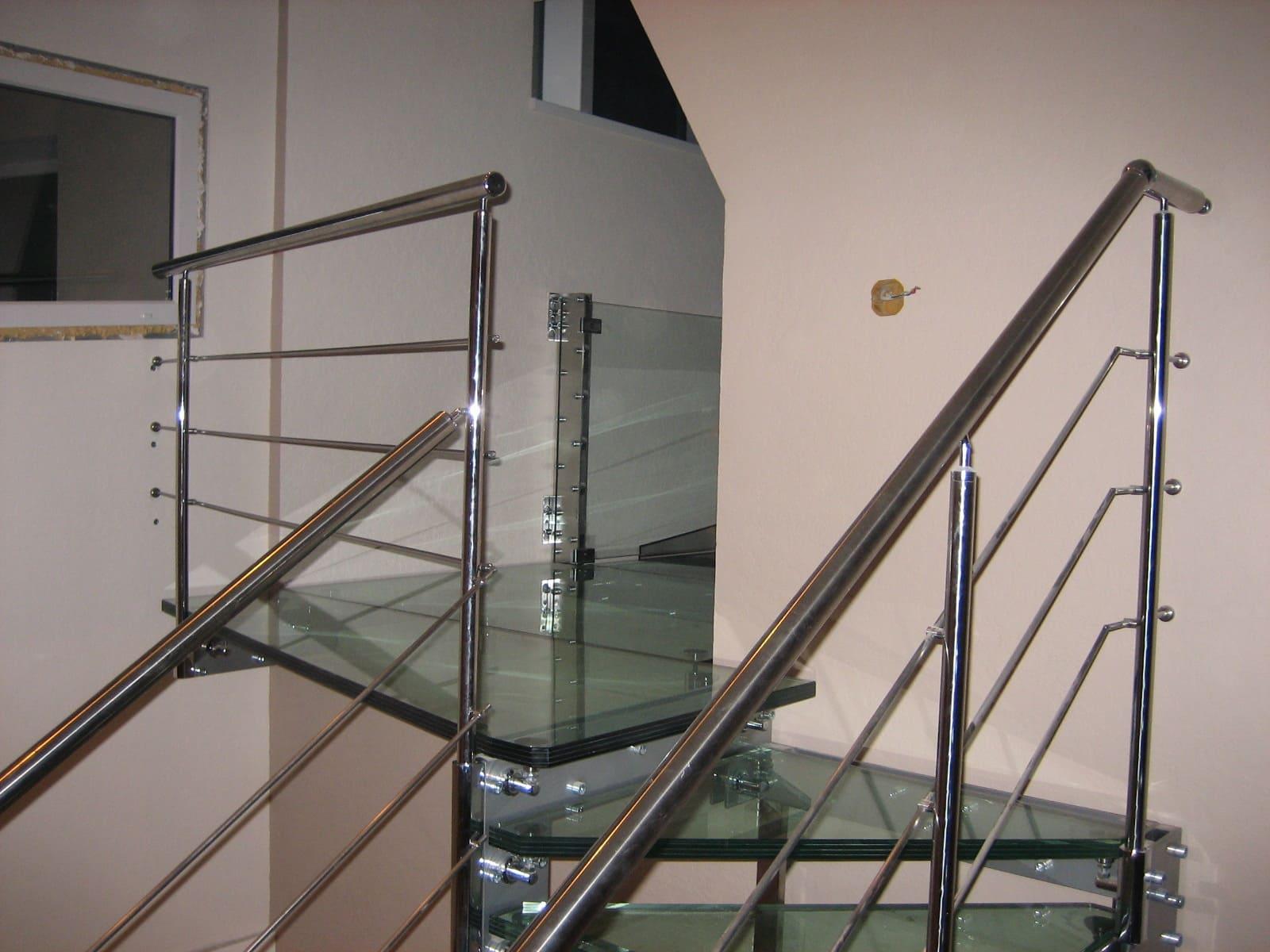 Лестница из стекла 7
