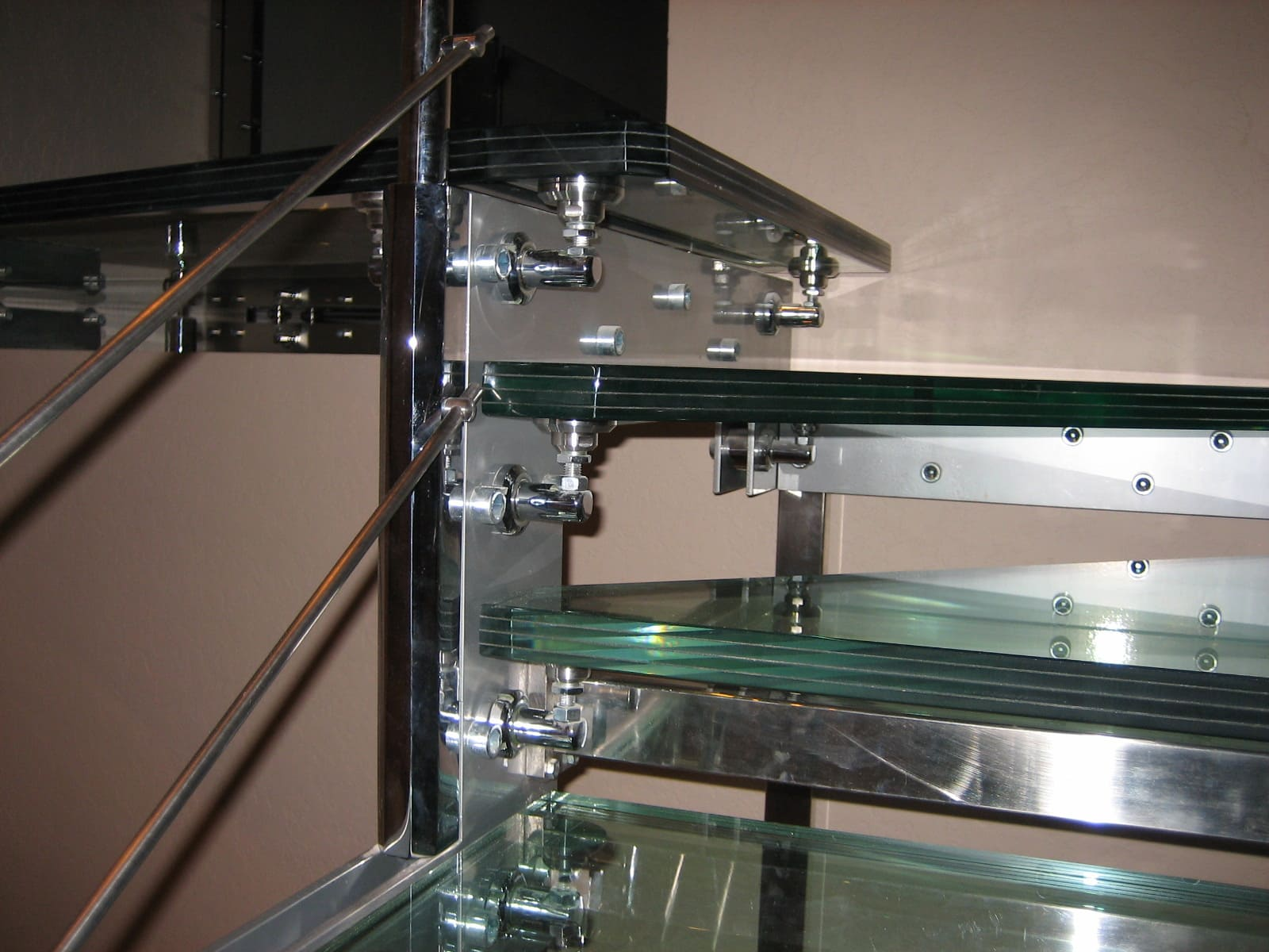 Лестница из стекла 8