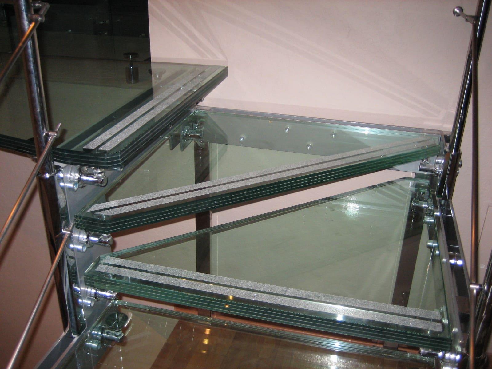 Лестница из стекла 10